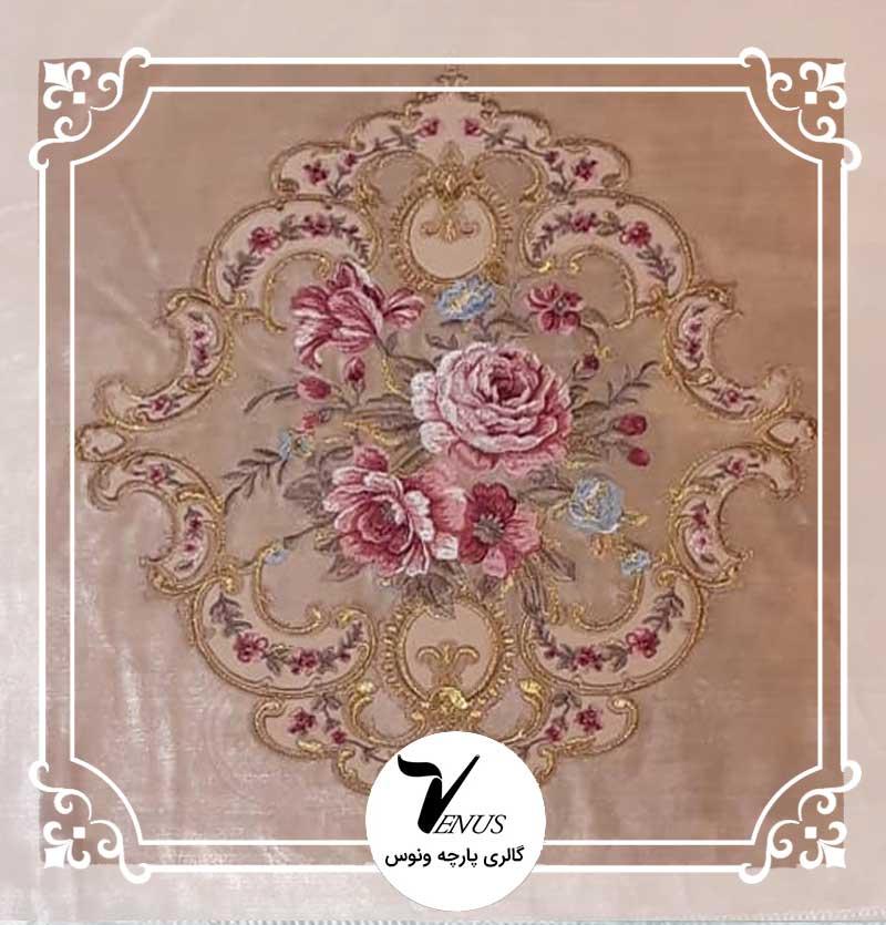 پارچه مبلی ترک مخمل گلدوزی شده رنگ بژ طرح گل داماس برند کولی